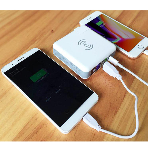4 in 1 Multi-function charger power bank 2A 3 port wall charger with detachable plug head + type c qi wireless plus power bank